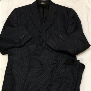Banana Republic Navy Suit Sz 42R